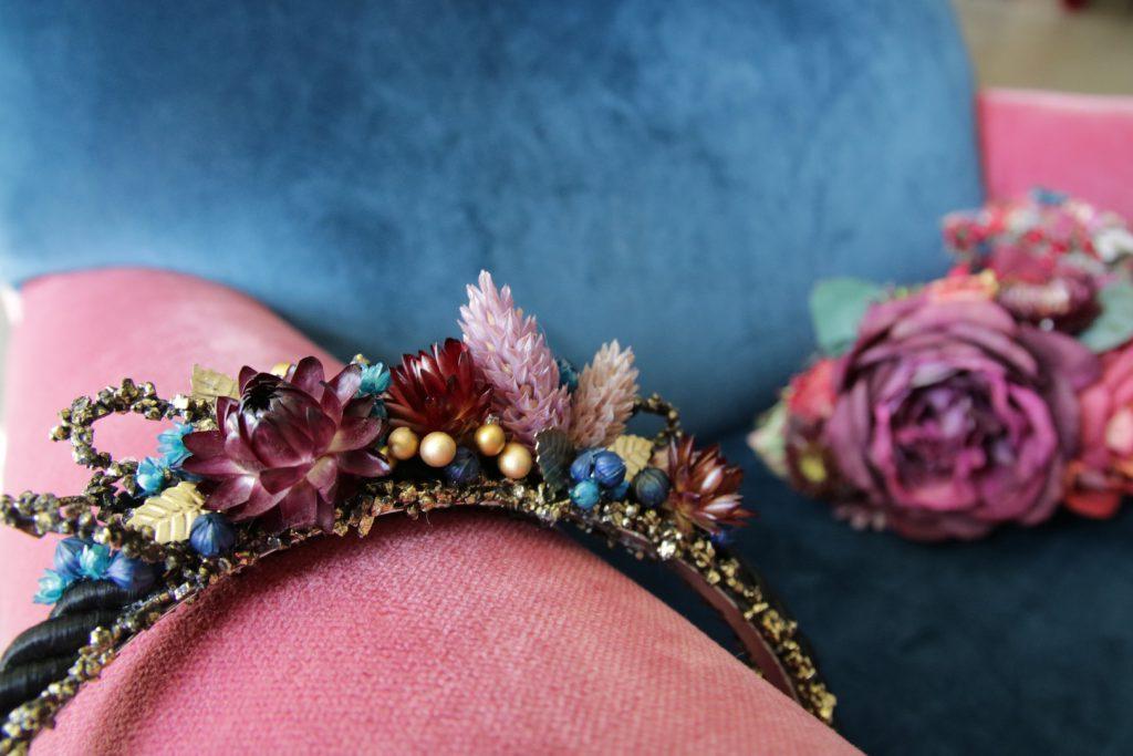 Ein Blumenkranz von Kopflegenden