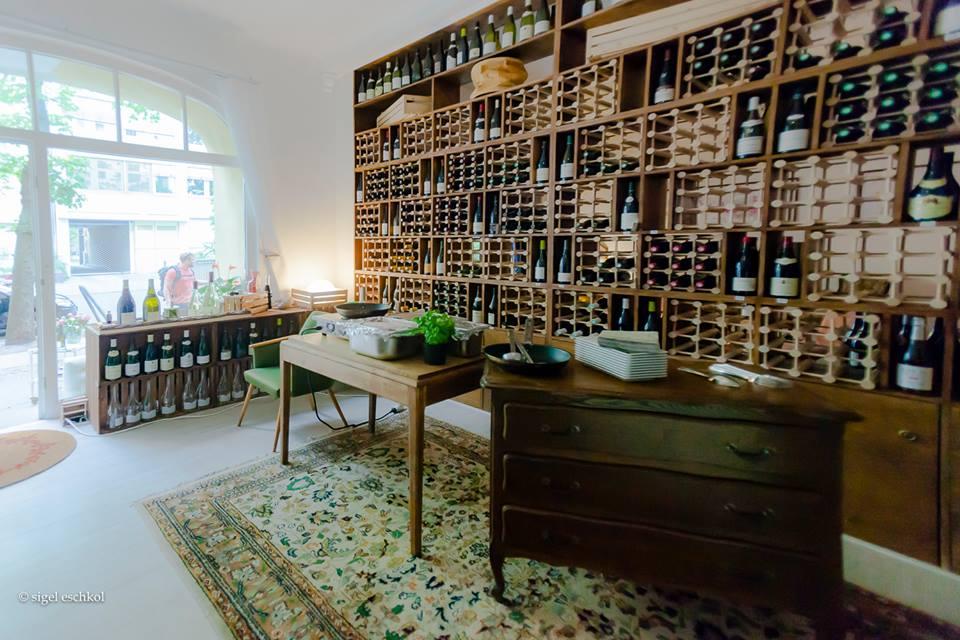 Inneneinrichtung bei Moniseur Bourgogne Weinladen