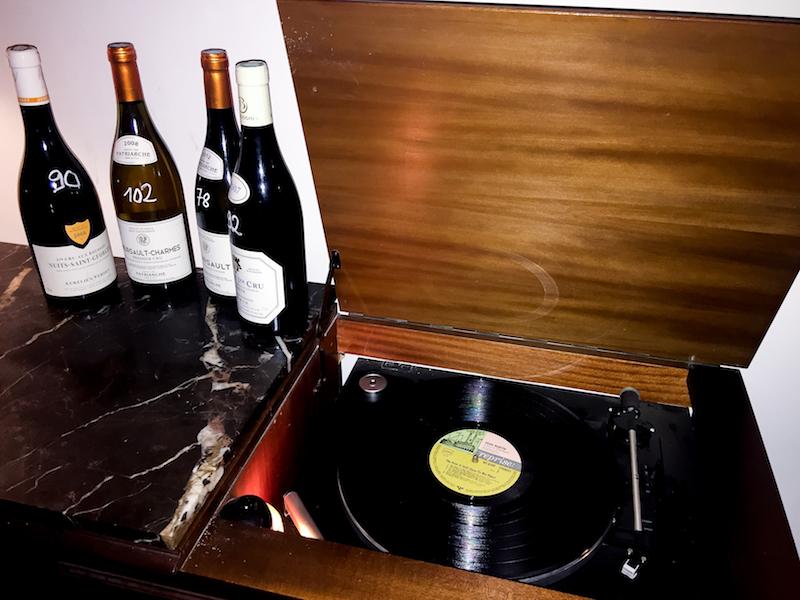 Moniseur Bourgogne Weinladen Inneneinrichtung