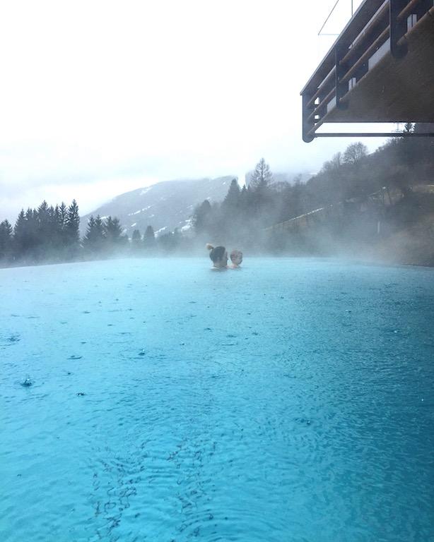 Hotel Das Goldberg in Bad Hofgastein in Österreich, Wellnessbereich, der Infinitipool