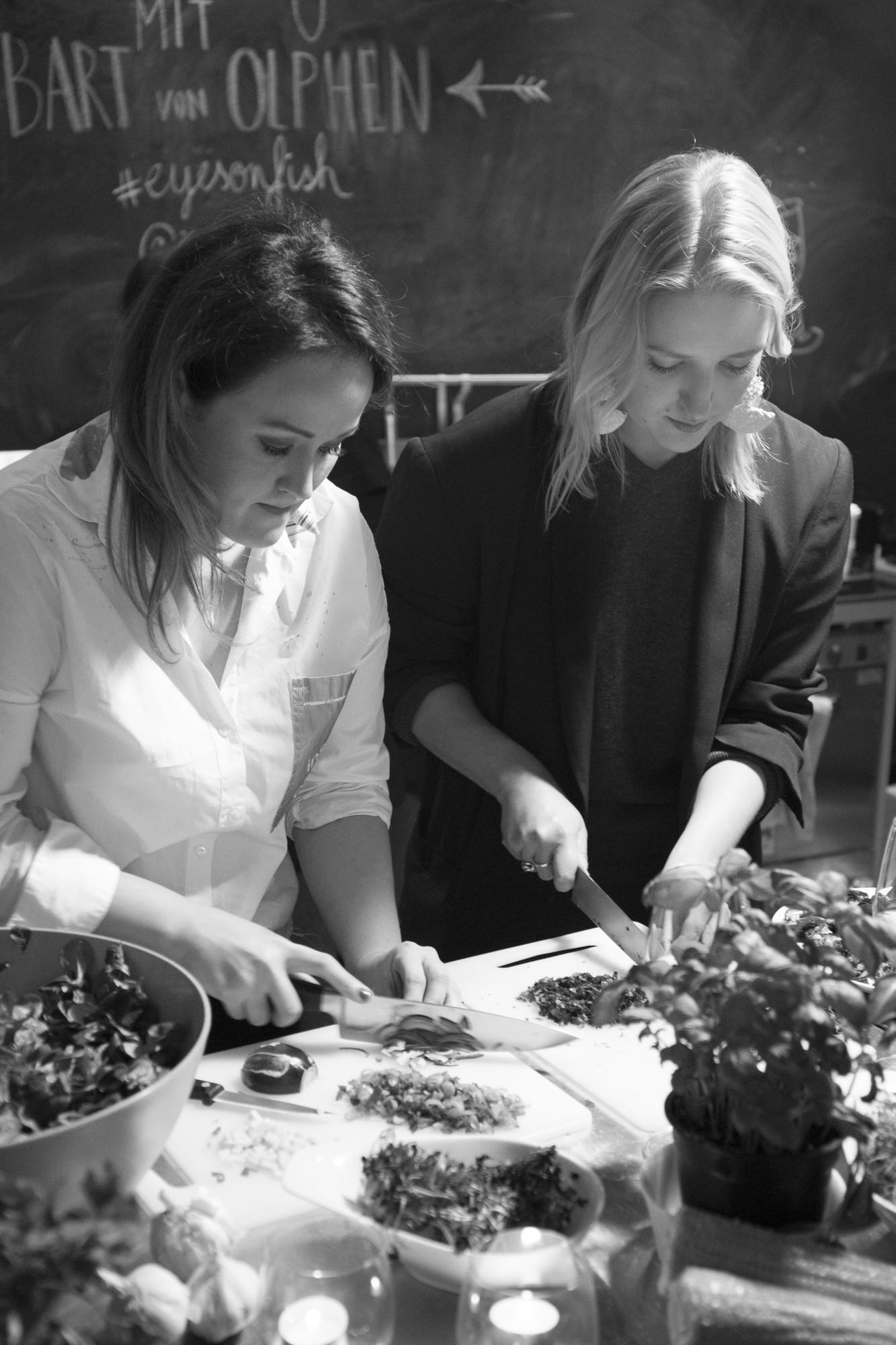Gemüse schneiden beim Kochworkshop