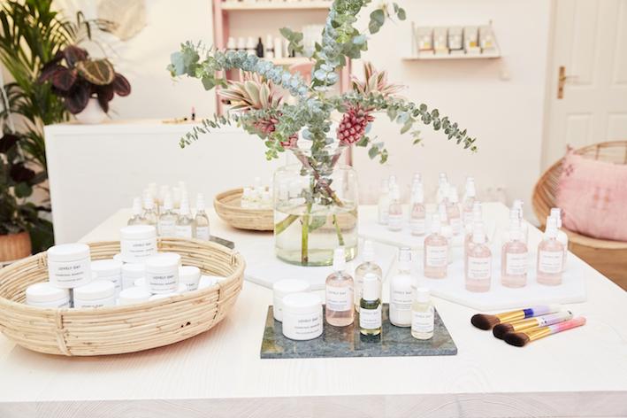 Showroom von Lovely Day mit Blumendeko