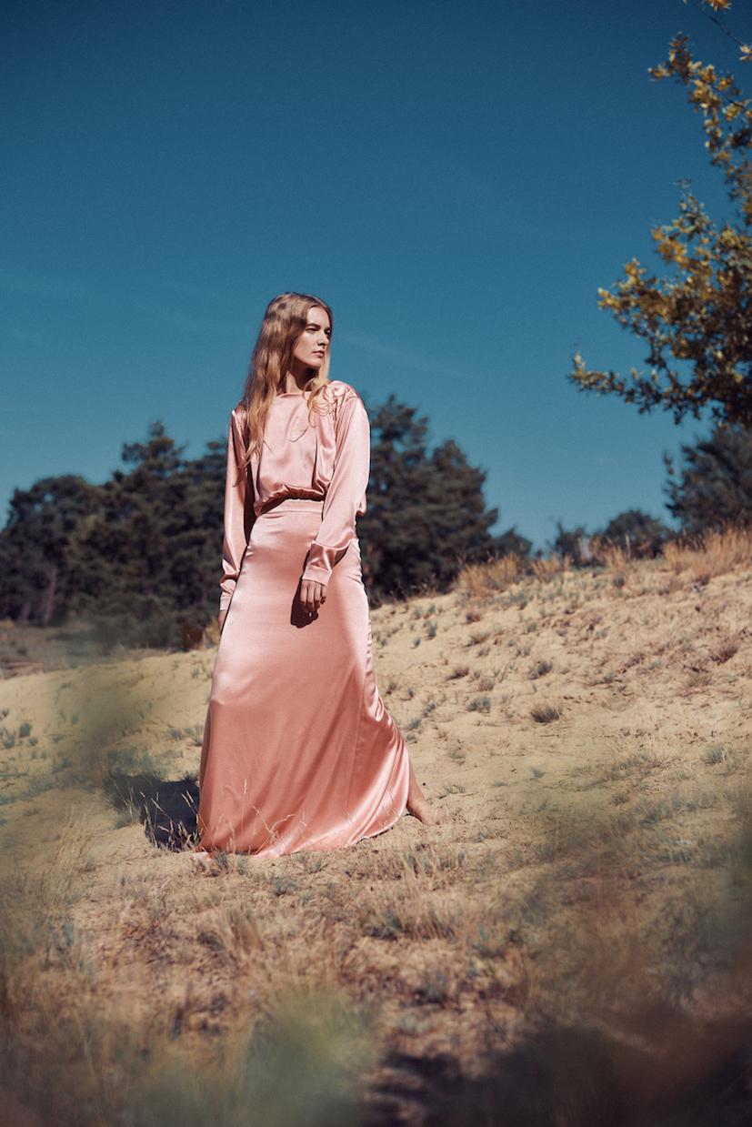 Marina Schwan Kleid Strawberry