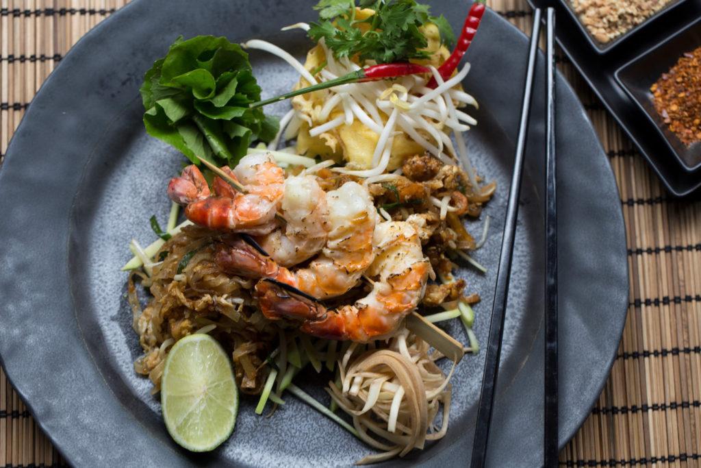 Pad Thai traditionelles thailändisches Essen