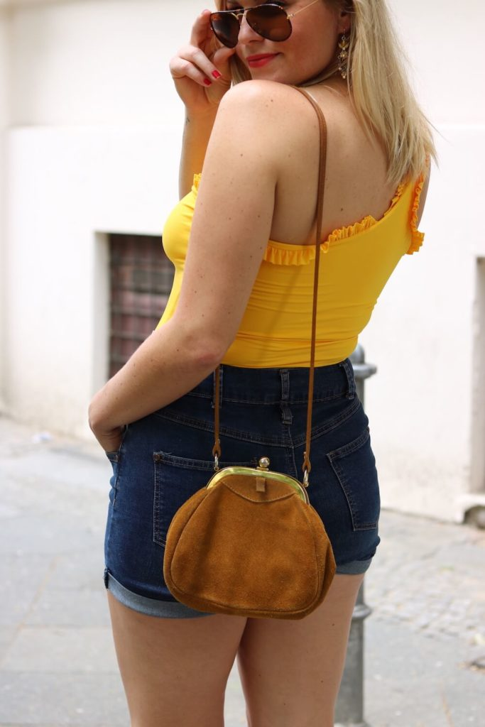 Sommer Outfit mit dem Bumble x SWIM WITH MI Badeanzug.