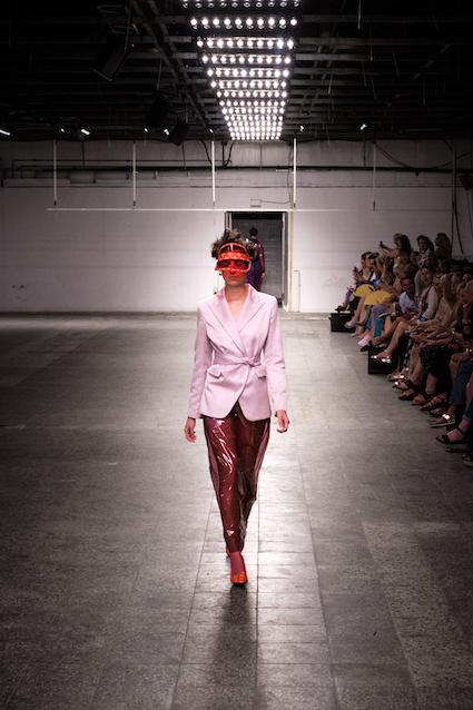 Dawid Tomaszewski SS19 Berlin Fashion Week Rosa Rot