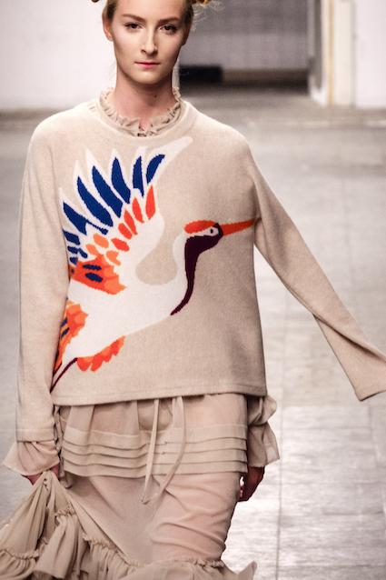 Dawid Tomaszewski SS19 Berlin Fashion Week Pullover Vogel
