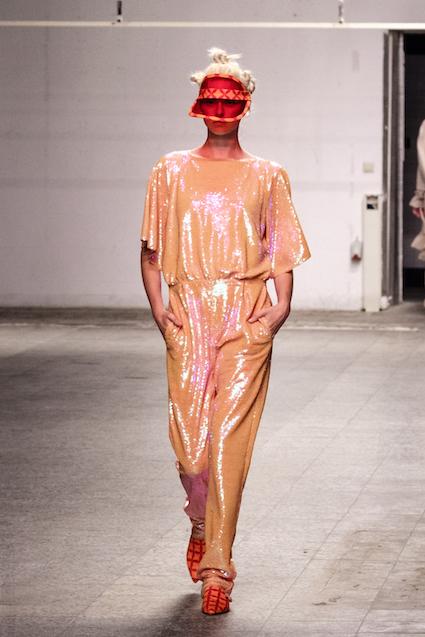 Dawid Tomaszewski SS19 Berlin Fashion Week Look Jumpsuit Pailletten