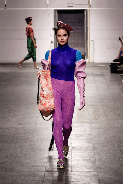 Dawid Tomaszewski SS19 Berlin Fashion Week bunt