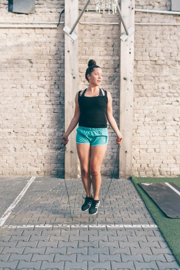 Springseil springen bei der 6 Wochen Challenge
