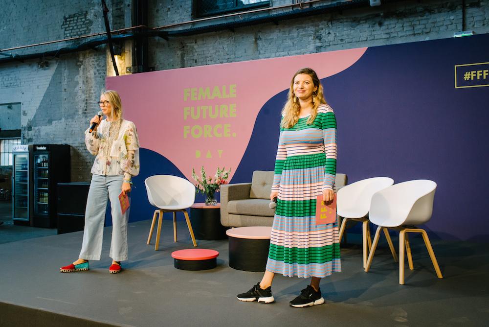 Susann Hoffmann und Vanessa Wohlert auf der Buehne des FFF Day