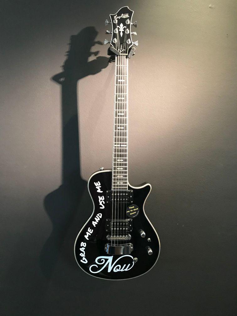 Electro Gitarre zum Spielen im Ruby Coco Hotel Duesseldorf