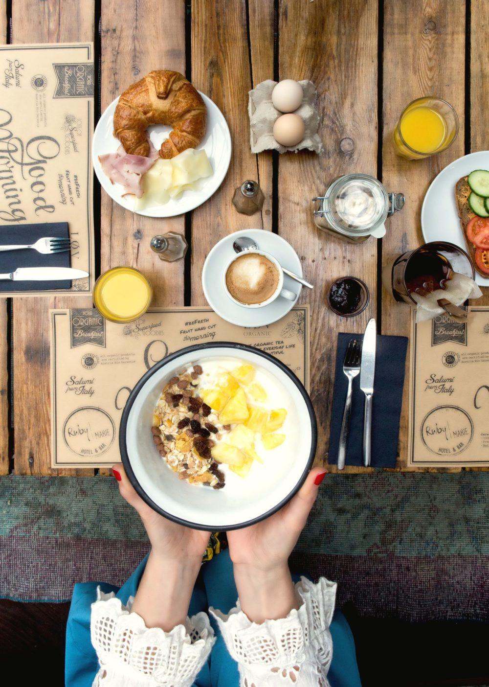 Fruehstueck mit Muesli im Ruby Coco Hotel