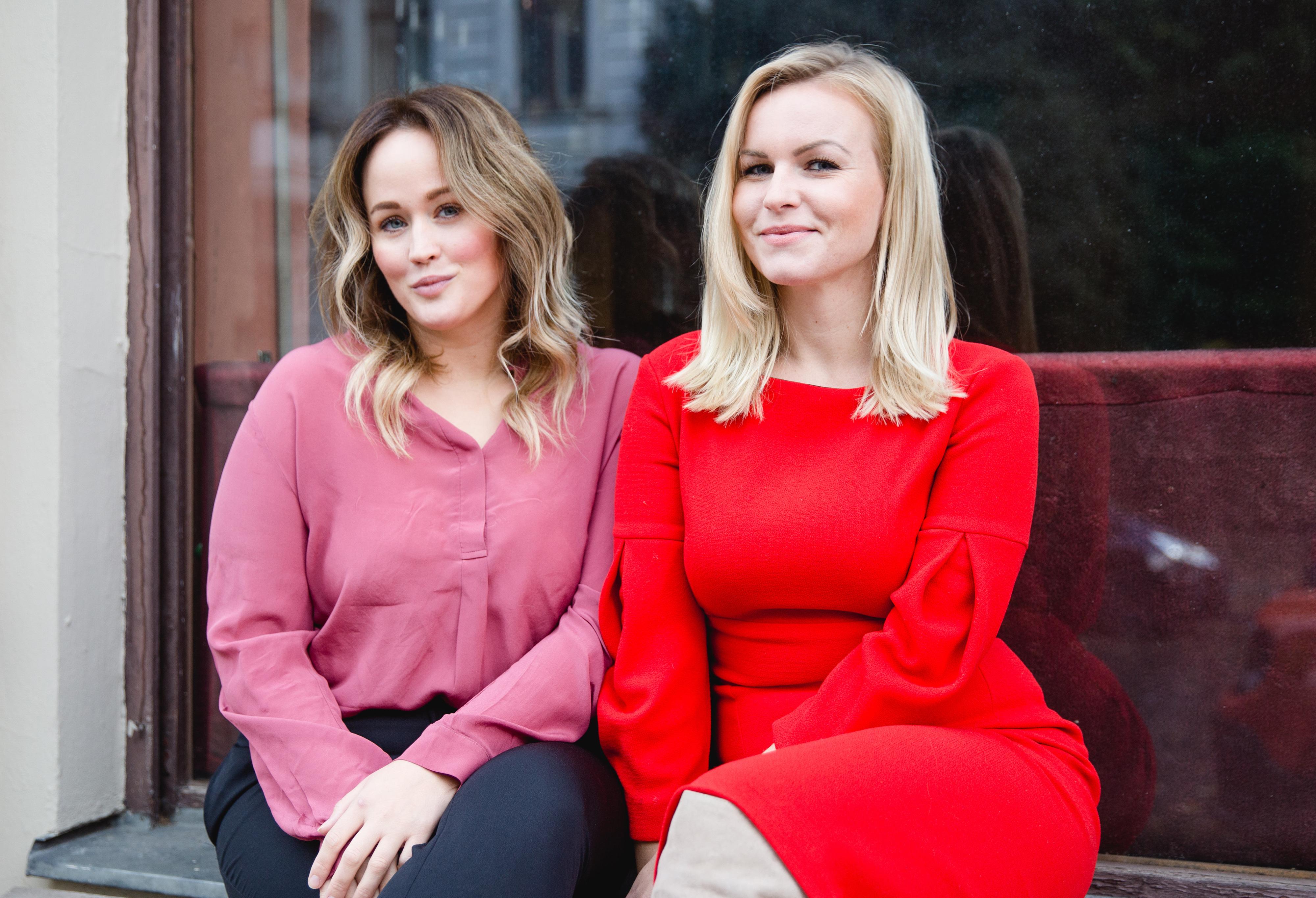 Ein Bild der Overview Magazine Gründerinnen Jen Gontovos und Hannah Lueg