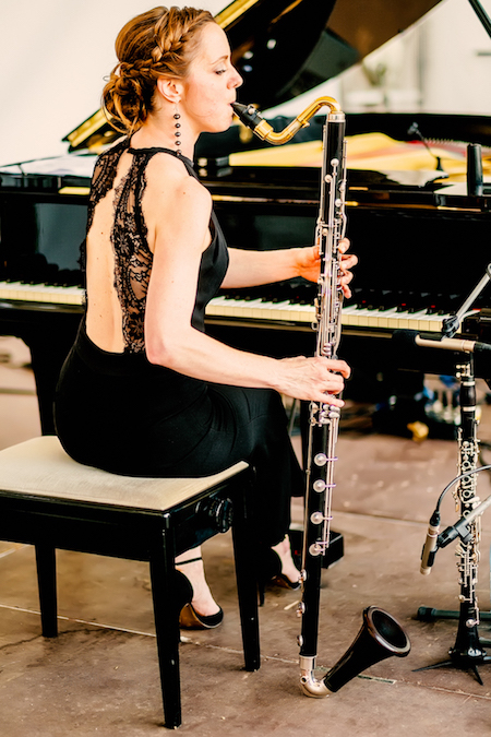Ein Bild von Komponistin und Pianistin Beatrix Becker