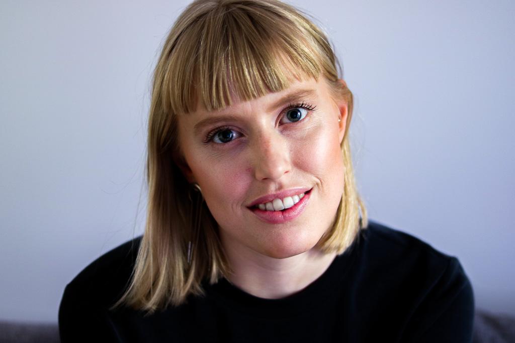 Ein Porträt der deutschen Sängerin Lea