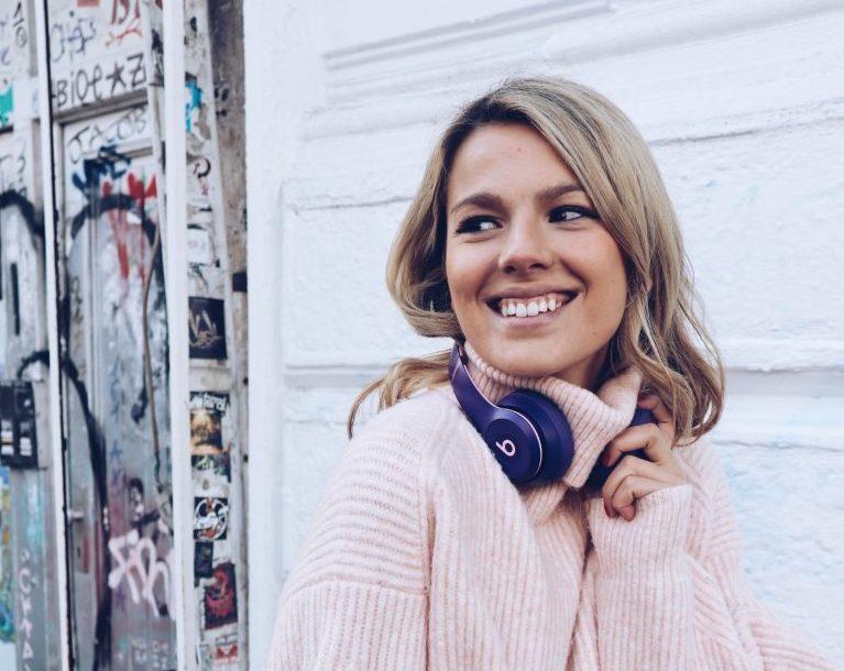 Ein Portraits von Bloggerin Marina Lovesny