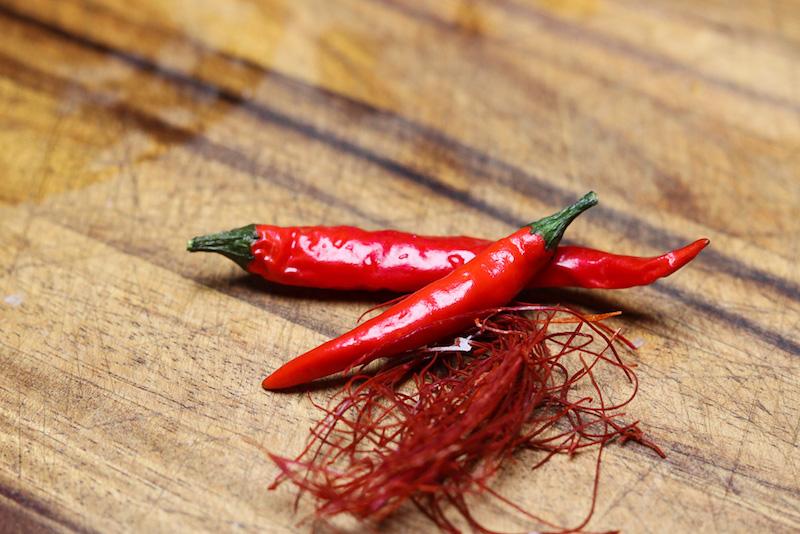 Zwei Chilis als aphrodisierende Lebensmittel für ein tolles Valentinstags-Rezept.
