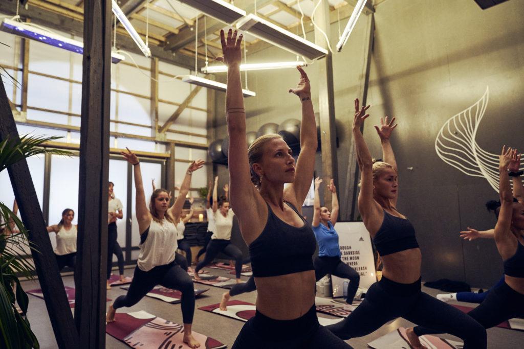 Inside Flow Yoga mit Janine von lustforlife.yoga