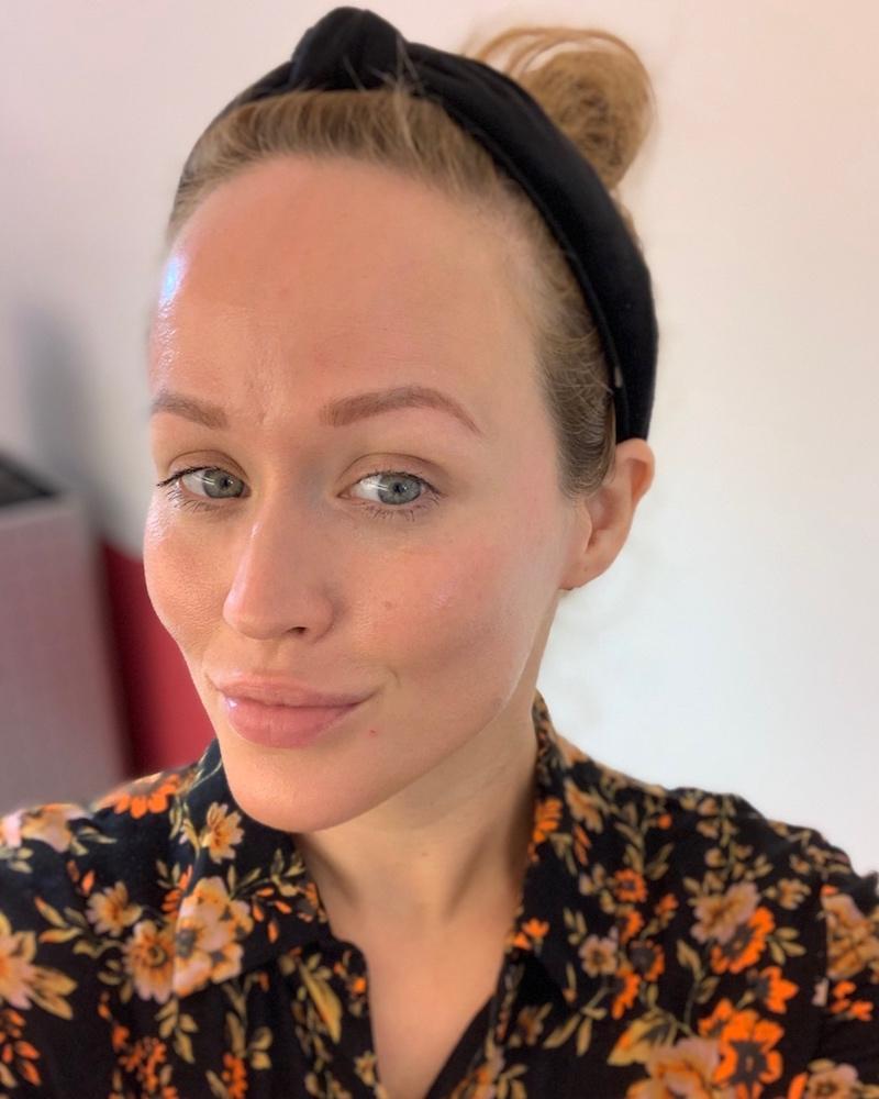 Jen testet im The Face Club berlin gesichtsyoga und Gesichtsgymnastik