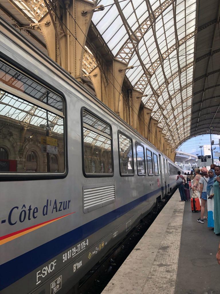 SNCF Zug durch die Côte d'Azur Frankreich