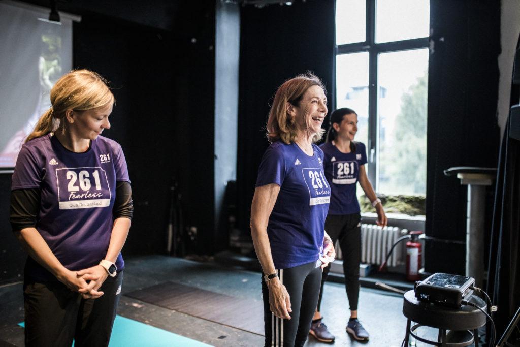 Kathrine Switzer bei Airbnb Entdeckungen Event für Berlin Marathon