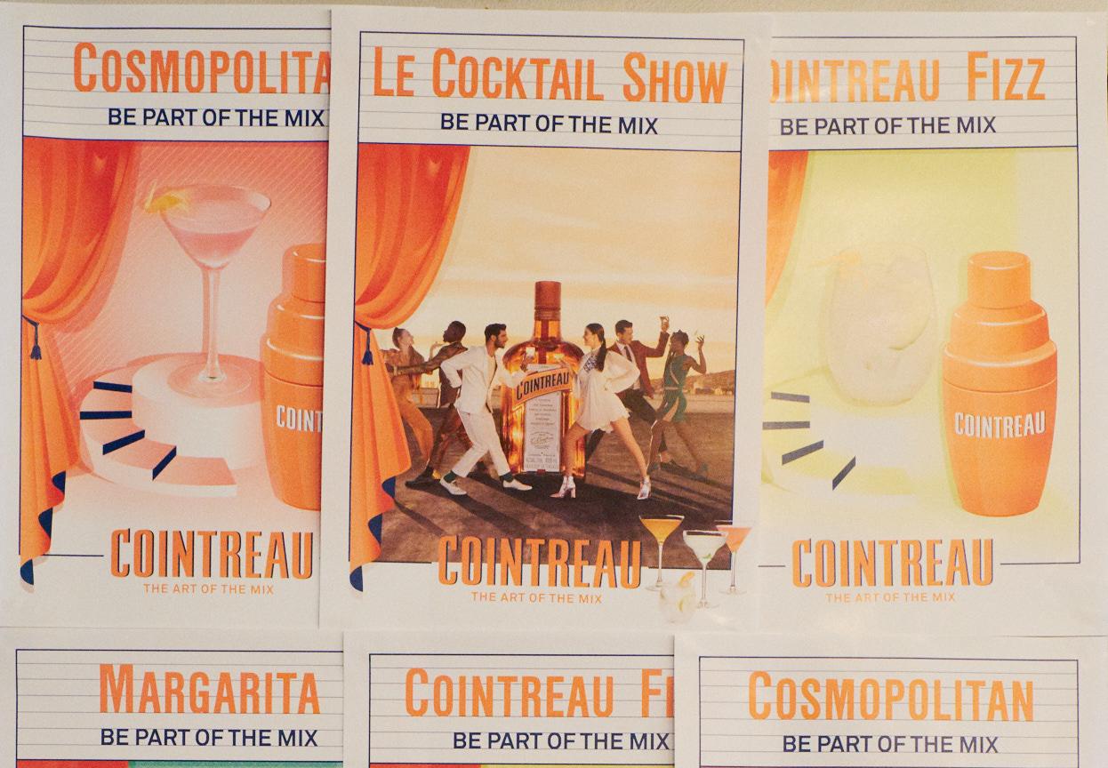 Ein Abend mit Cointreau. Im Angebot verschiedene Rezepte unter anderen ein Rezept vom Cosmopolitan