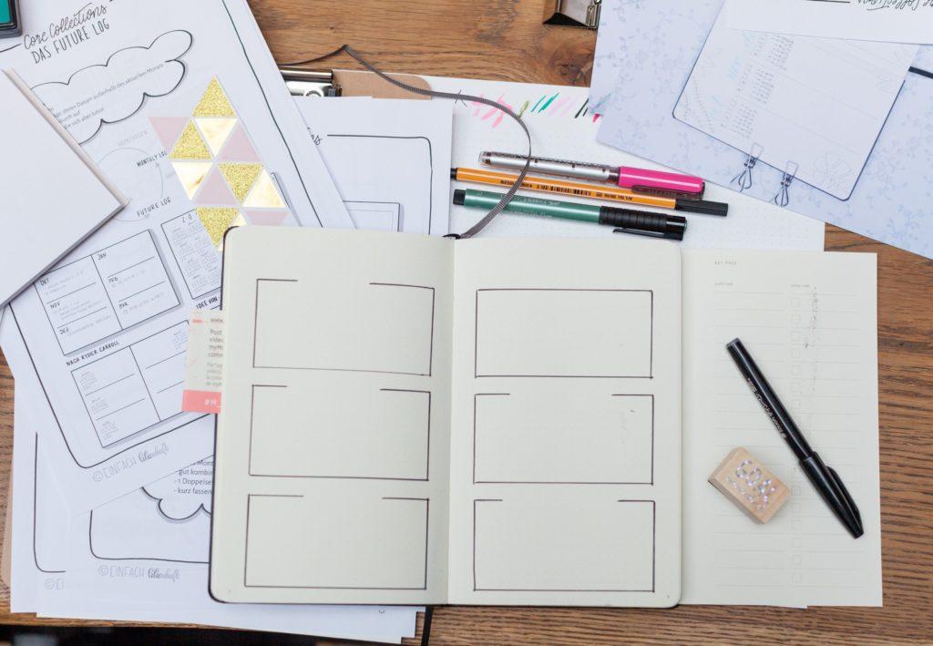 Lisa von Einfach Lilienhaft bei Moleskine Creative Notebook Workshop zeigt Möglichkeiten des Bullet journaling