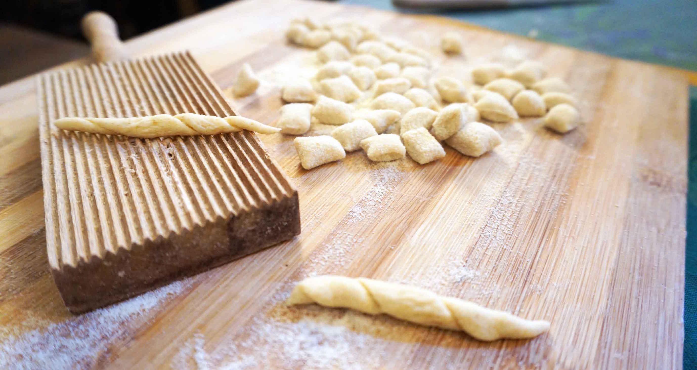 Die Pasta selber machen airbnb Entdeckung in Palermo auf Sizilien.