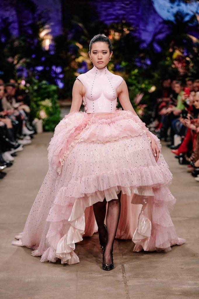 Die Herbst/Winter Kollektion 2020-2021 auf der Fashionweek in Berlin von Marina Hoermanseder