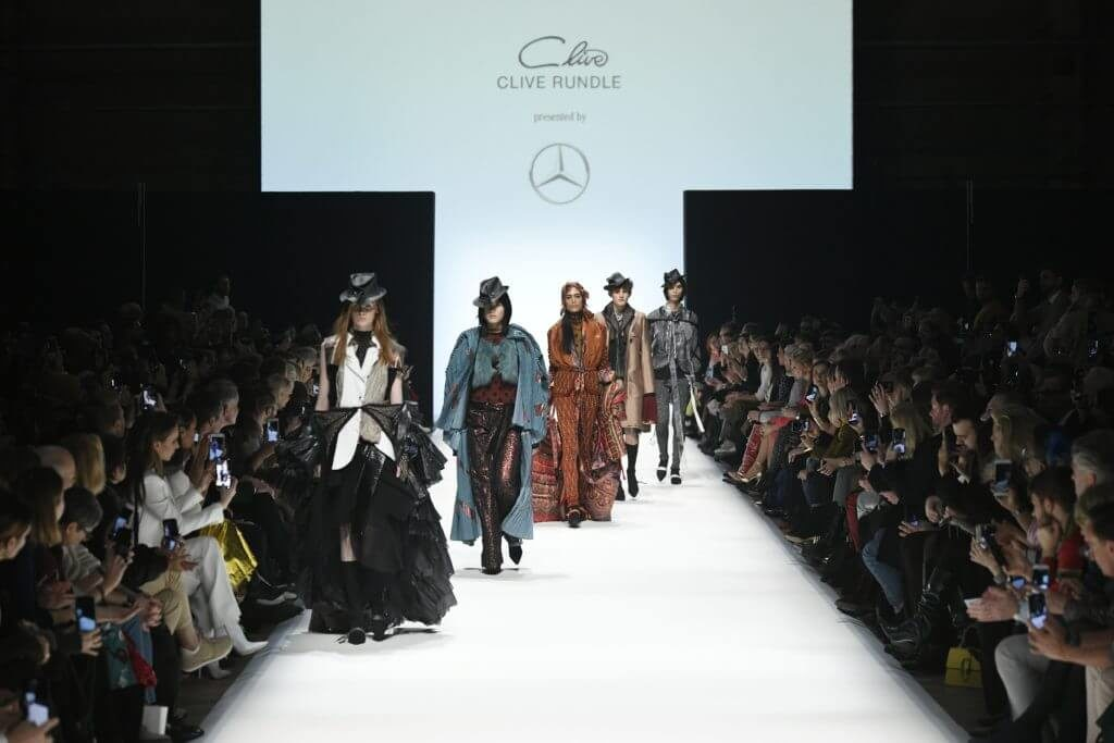 Fashion News mit Designer Clive Rundle während der Mercedes-Benz Fashion Week in Berlin im Januar für Herbst/Winter 2020/2021