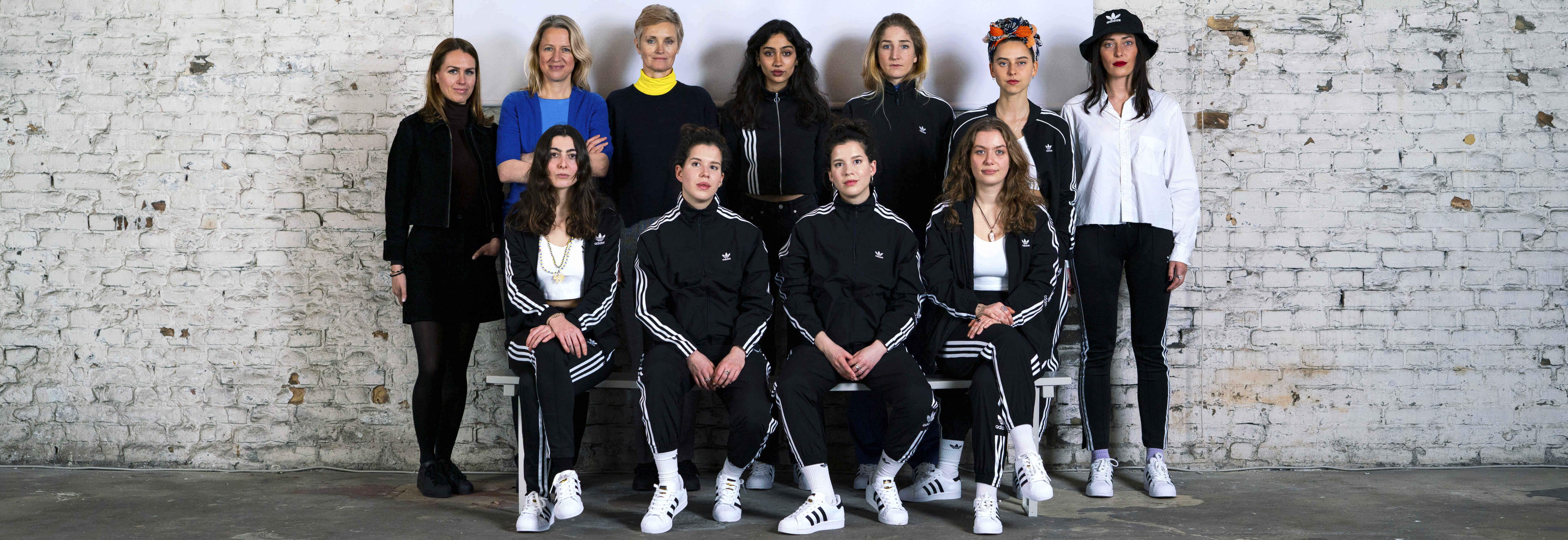 Kampagne XCHANGE mit adidas Originals für mehr Frauen in der Kunst zeigt acht Künstlerinnen und drei renommierte Frauen aus der Kunst im XCHANGE Space in Berlin Kreuzberg