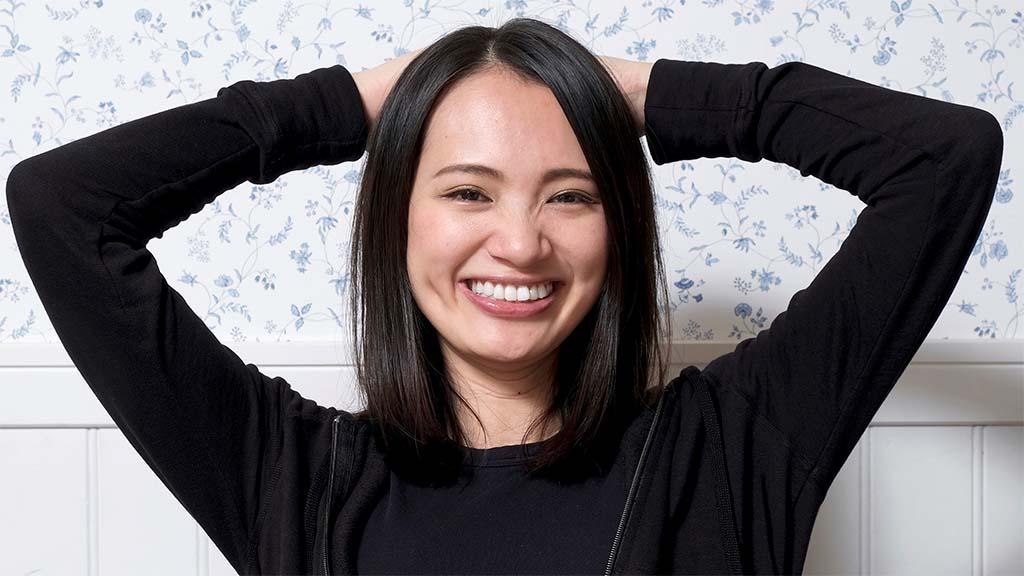 Japanische Gruenderin Akemi Tsunagawa lachend